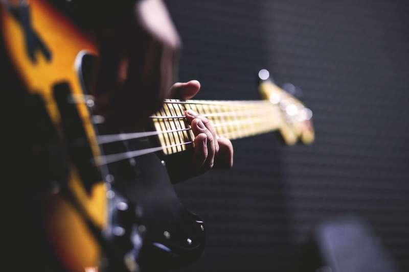 ライブハウス・スタジオ定番のベースアンプ5つに慣れる