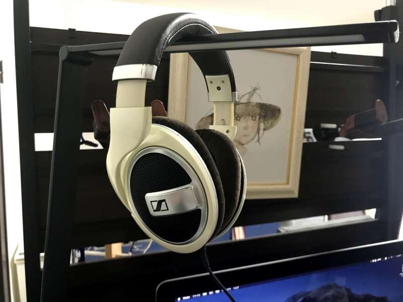 「ゼンハイザー HD599」音が立体的に聴こえるという表現がどう言うことか学んだヘッフォフォン
